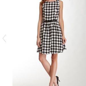 Jessica Simpson Large Houndstooth Print Dress